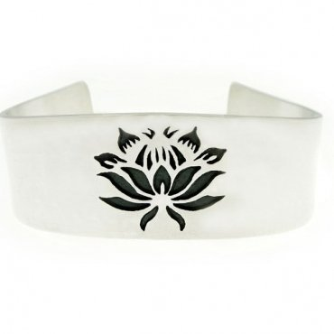 Protea 3 flower bracelet