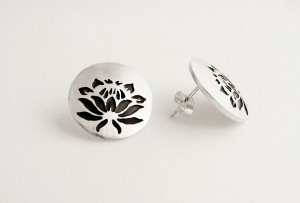 Protea round stud earrings