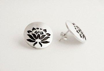 Protea round stud earrings