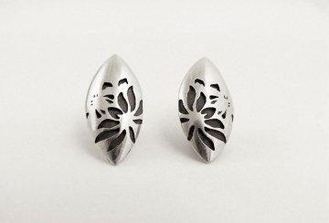 Protea stud earrings
